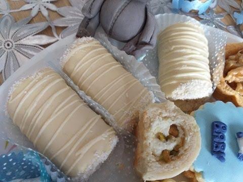 cigares-chocolat-blanc,-noix-de-coco-et-pistaches