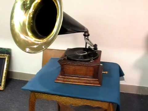 Oak Victor Monarch with Brass Bell Horn