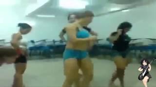 Download Video Novinhas se exibindo no colegio dança d+ MP3 3GP MP4