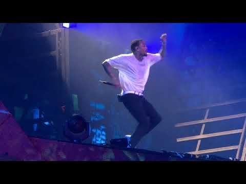 Chris Brown - Wall To Wall  - Heartbreak On A  Moon Tour