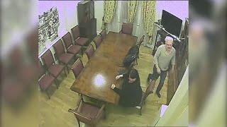 Londra, Julian Assange incontra la giornalista Stefania Maurizi: spiati nell'ambasciata dell'Ecuador