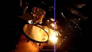 Un lobo por tu amor - mana ( by Eric Drummer )