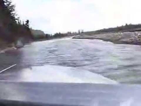 По мелководью на лодке с водомётом