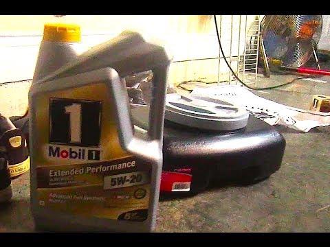 DIY: Oil Change 2004 Honda Civic EM2
