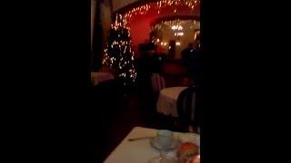 Ресторан, живая музыка.