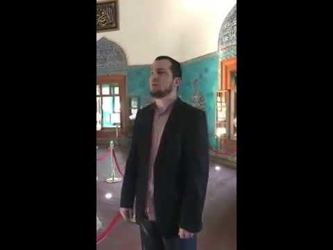 Kuran okuyarak Osmanlı Camisinin akustiğini test etti