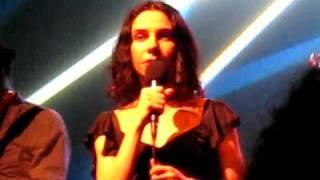 PJ Harvey & John Parish CRACKS IN THE CANVAS  live in Paris COMPLETE bataclan 17/05/09