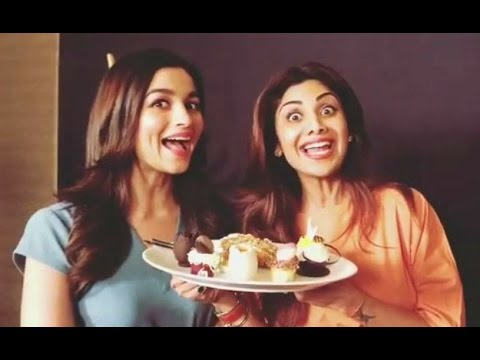 Alia Bhatt And Shilpa Shetty Eating Together