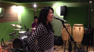 "ecoutez! new single ""Seakan Kau Mencintaiku"" rehearsal"
