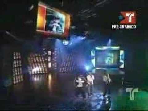 Tito El Bambino Feat  Jowell &Randy-Siente El Boom live