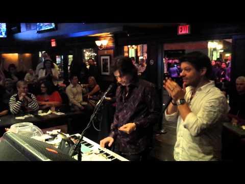Dueling Piano Bar Bohemian Rhapsody pt 1 - NYNY New York New York Las Vegas
