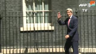بالفيديو.. جون كيري يواجه لحظة محرجة في لندن