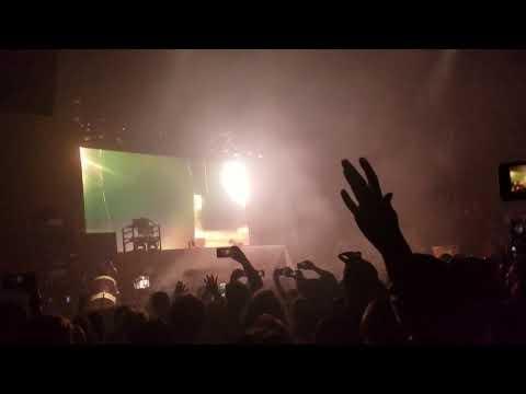 Illenium Crawl Outta love Live Awake Tour