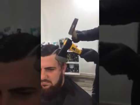 Corta el pelo con hacha