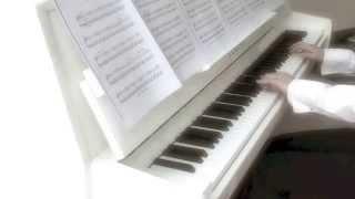 Ludovico Einaudi - Burning / In a Time Lapse (solo piano)