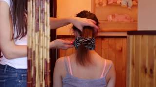 ASMR hraní si s vlasy, česání/ASMR hair playing, hair brushing