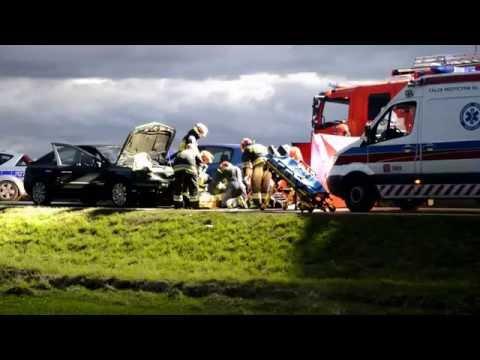 Śmiertelny wypadek na wysokości Strzelnik. Droga Brzeg-Opole zablokowana