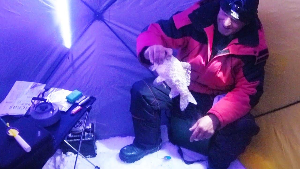 Ловля карася в глухозимье на самом большом озере Западной Сибири. Ночная рыбалка в палатке.