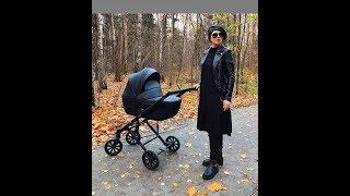Александра Артемова на прогулке с новорожденной дочкой