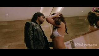 Repeat youtube video Jacqueline Fernandez  hot kiss & love making scene 720p HD