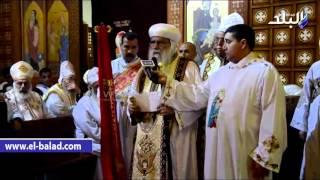 بالفيديو .. الأنبا باخوميوس يهنئ رئيس جامعة دمنهور الجديد خلال قداس عيد الميلاد