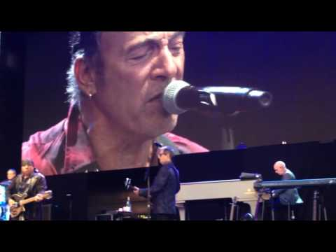 Bruce Springsteen Hunter Valley 2017 Who'll Stop The Rain