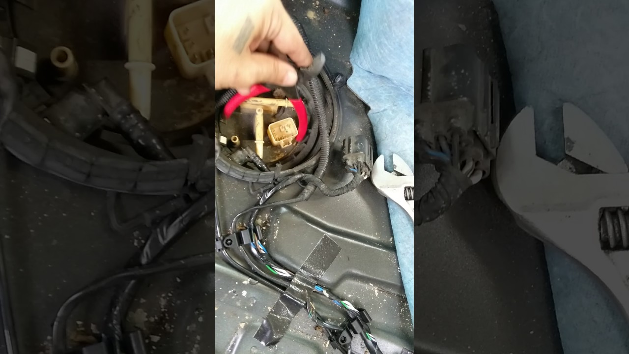 Removing Volvo s60 Fuel Pump ring - YouTube