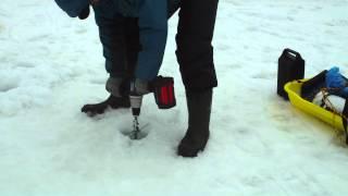 Repeat youtube video ワカサギ釣り 2012-03-24 アイスドリルアダプターテスト