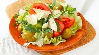 Салат из пекинской капусты с помидорами и оливками