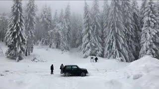 عاصفة ثلّجية تعزلُ قرىً وتشلّ حركةَ المواصلات في جنوب ألمانيا والنمسا…