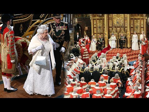 Buckingham Palace announcement: Staff 'summoned to emergency meeting' on Queen and Philip