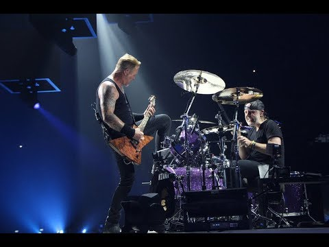 METALLICA - Moth Into Flame live in Paris, 08 September 2017 (Multi-Cam - HQ Sound LiveMet.com)
