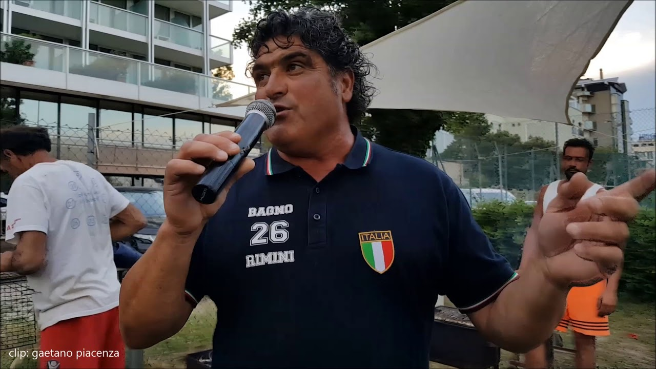Gabriele Pagliarani (Bagno 26 Rimini) dà il benvenuto all\'estate ...