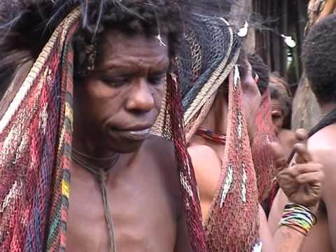 Costumi Tradizionali della Nuova Guinea