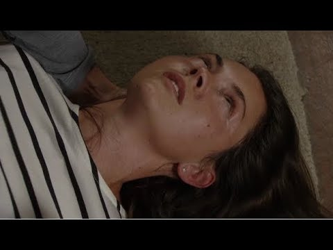 EastEnders - Stacey Suffers a Seizure (13th October 2017)