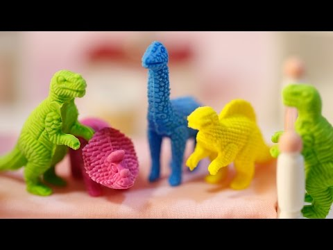 Five Little Dinosaurs Jumping On The Bed | Dinosaurs Jumping | Hello Kitty Jumping On The Bed