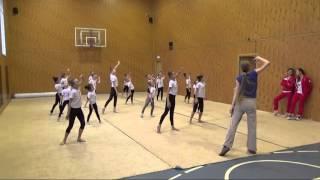 Урок хореографии в школе художественной гимнастики