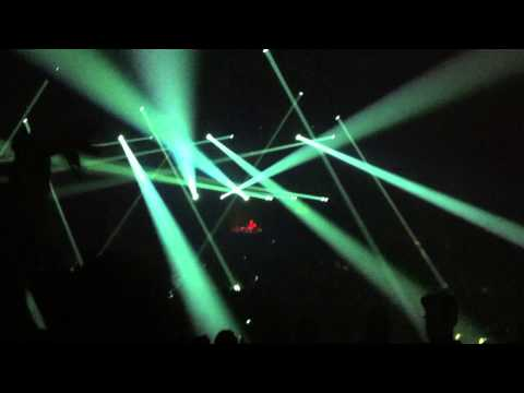 Bengang mixed with Moob - Paul Kalkbrenner LIVE @Zenith Paris 2013