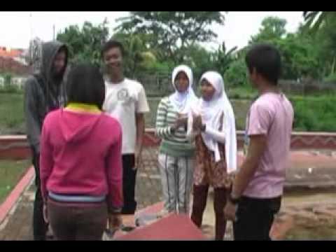 Video Clip: Cinta Pertama-Mikha Tambayong(MM2 angk 2009/2010)