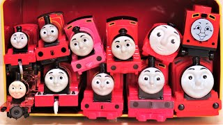 Thomas & Friends James toys come out of the Thomas can box RiChannel