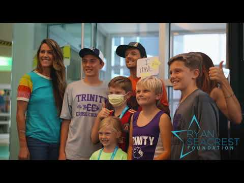 """Jason Mraz performs """"Have It All"""" for patients at Seacrest Studios in Atlanta"""