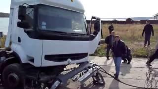 Ruscy wyciągają łódz