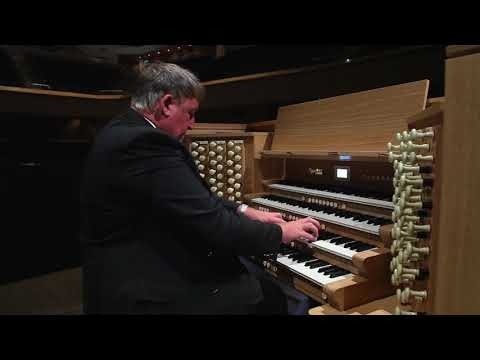 Trumpet Tune in D (Purcell) played by Ian Tracey