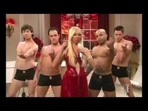 DONATELLA! - Lady Gaga - Maya Rudolph - SNL (PARODY)