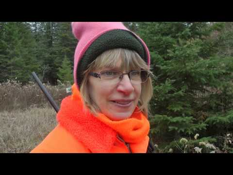 Upper Michigan Deer Hunting (Yooper Survival Camp!)