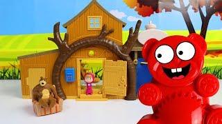 Mascha und der Lucky Bär - Spielzeug Haus auspacken