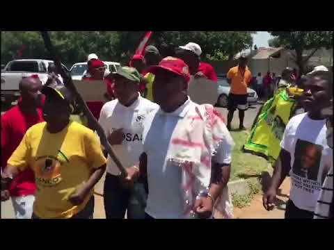 """""""White Man You Must Die"""" Anti White Protesters In South Africa"""