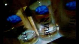 3 Jelzin wodka(ein song nur für meinen billig wodka er kommt von herzen geschrieben und aufgenommen an meinen 20sten b-day natürlich unter alkohol einfluss :-P., 2009-07-15T18:28:38.000Z)