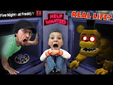 FIVE NIGHTS at FREDDY'S: HELP WANTED! Part 1 (FGTEEV Real Life?)