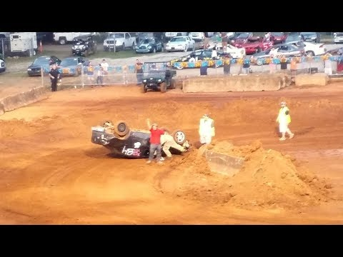 MIDDLE TENNESSEE DISTRICT FAIR 2017 - JUNK CAR JUMP 'n RUN - Lawrenceburg, Tennessee, USA - Part 2